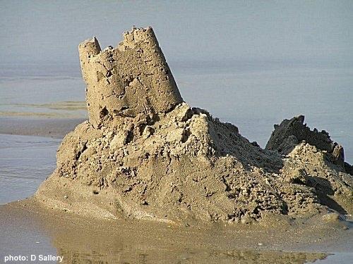 무너진 모래성.jpg